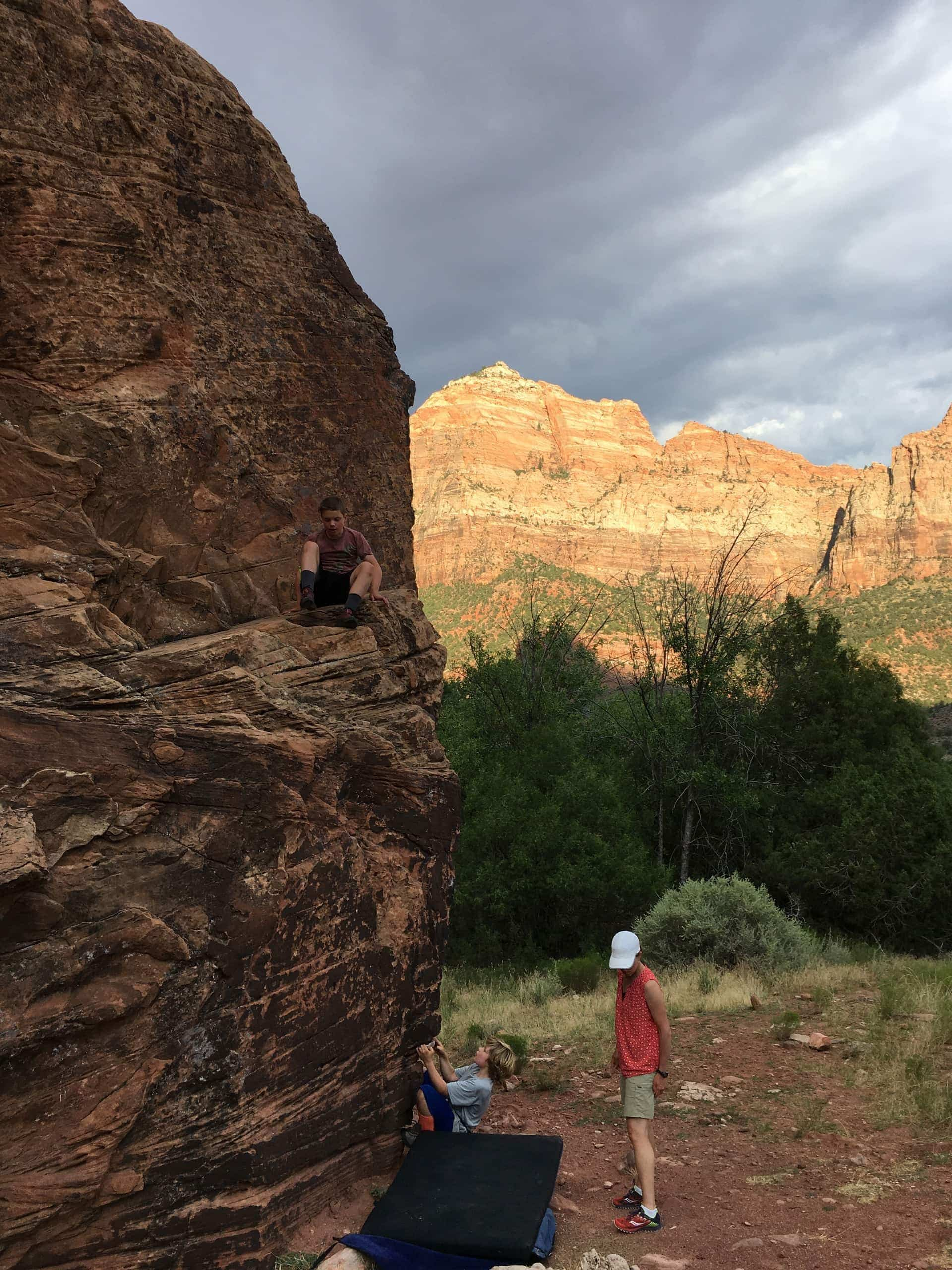 Family bouldering session in Zion